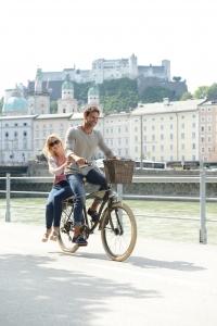 Radfahren an der Salzach mit Festungsblick